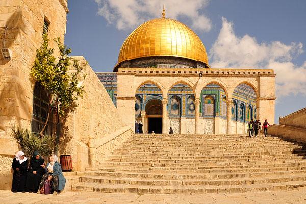 Plauderei vor der AL-Aqsa-Moschee / Israel (Bildnummer 100318_3065)
