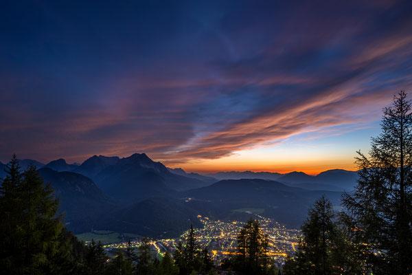 ...die Lichter von Mittenwald gehen an, Mittenwalder Hütte