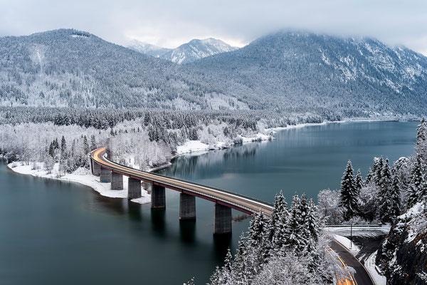 Winterstimmung am Sylvensteinspeicher, Karwendel (Bildnummer 8613)
