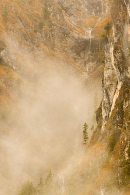 Wasserfall am Abgrund