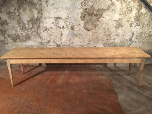 Tannenholztisch, 315 x 74.5cm, H: 77.5cm