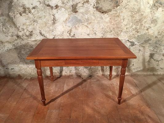 Kirschbaumtisch mit Schublade, 122 x 80cm H: 76cm