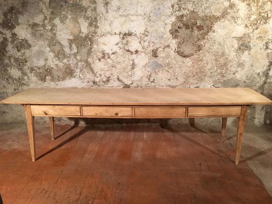 Tannenholztisch mit 4 Schubladen, 300 x 68cm H: 78.5cm