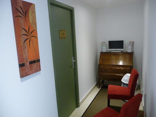Salle d'attente cabinet sophrologie Aix les bains