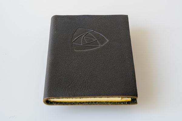 Adressbuch 7x11 cm, geprägtes Rindlederleder 23.-Euro