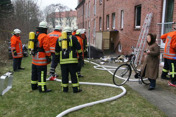 24.02.11 B - Feuer im Stickenbüttler Weg © FF-Duhnen