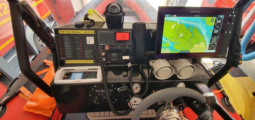 Wichtige Kommunikations und Navigationstechnik © Freiwillige Feuerwehr Cuxhaven-Duhnen