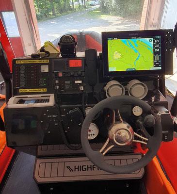Der Fahrstand des Bootes © Freiwillige Feuerwehr Cuxhaven-Duhnen