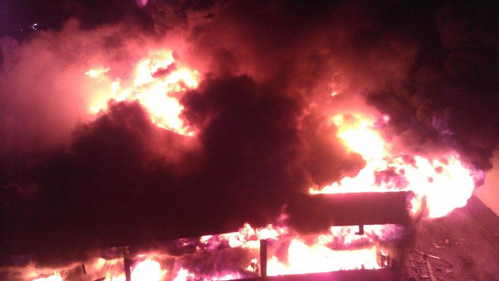 09.02.12 A - Feuer in einem KFZ Betrieb am Querkamp