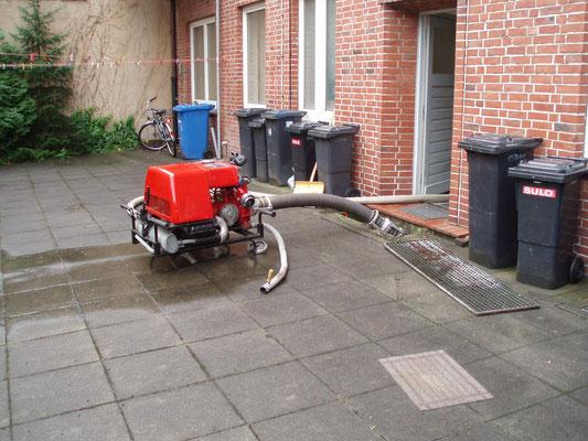 08.08.08 A - Zwischendurch mal wieder Keller pumpen nach Starkregen © FF-Duhnen