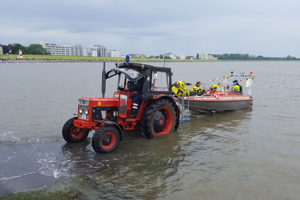 Franz Mützelfeld geht zu Wasser © FF.Cuxhaven-Duhnen
