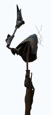 """""""Kranich"""", Rakubrand/Ton mit Kupferrohr und Draht, ca. 150 cm hoch"""