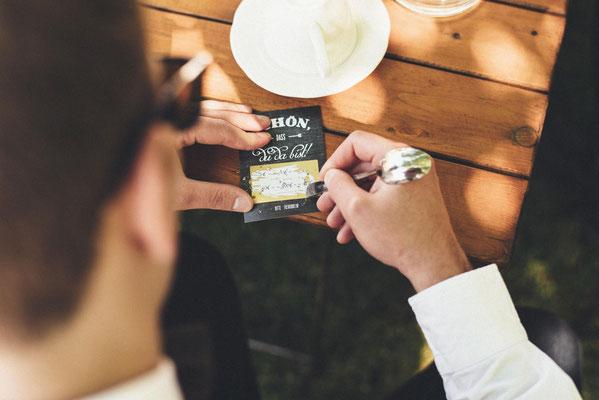 Rubbellose mit persönlichen Botschaften vom Brautpaar