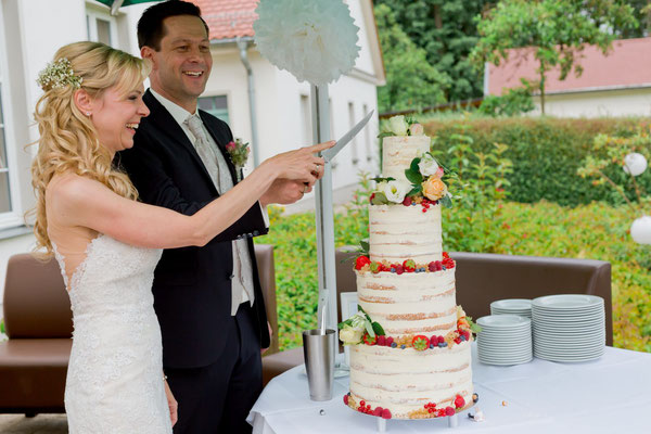 vintage Hochzeitstorte - half naked cake