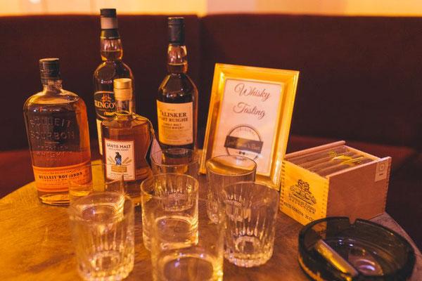 eine Whiskey-Bar für die Gentlemen