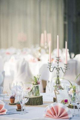 Hochzeitsdeko rustikal und festlich