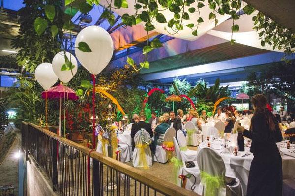 tropische Hochzeitsdeko - Urlaubsfeeling