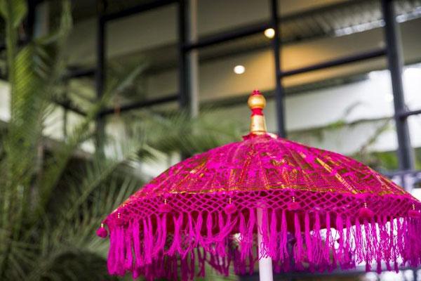 pink farbener Bali Schirm