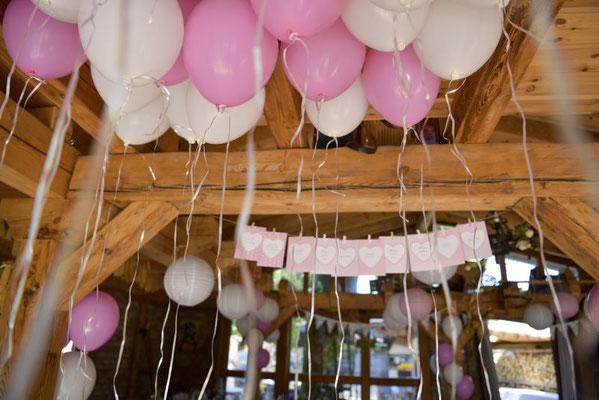 """die Ballons """"stehen"""" zur Abholung bereit"""