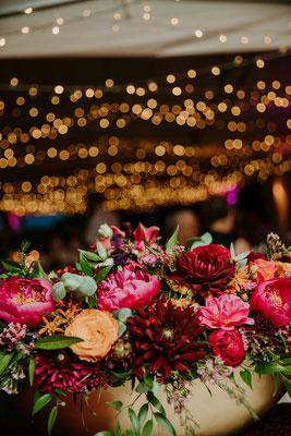 Die Blumen! Die Lichter! Die Stimmung am Wasser! Zauberhaft!