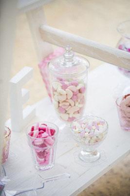 die Süßigkeiten der Candybar bleiben im Farbthema