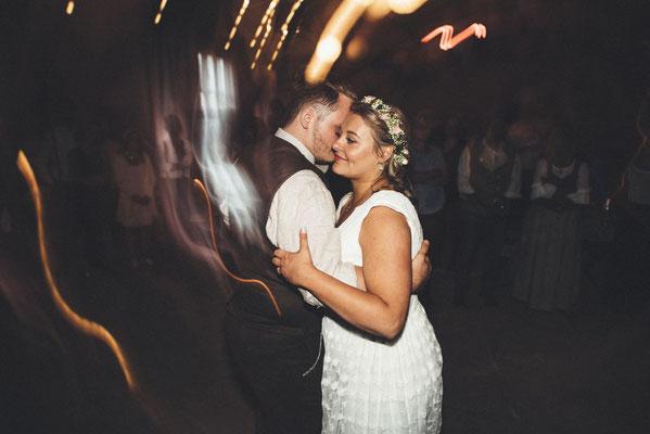 der Hochzeitstanz zählt zu den schönsten Momenten eines Hochzeitstages