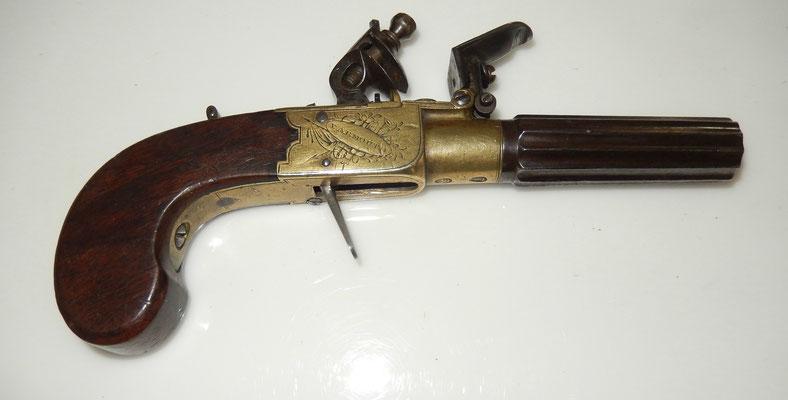 pistolet silex anglais queen ann.old guns