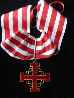 ordre du mérite du saint Sépulcre,croix au mérite  argent émaillé.  prix : 280 euros