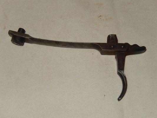 ensemble détente avec vis :  fusil modèle  mauser 1871 : 50 euros
