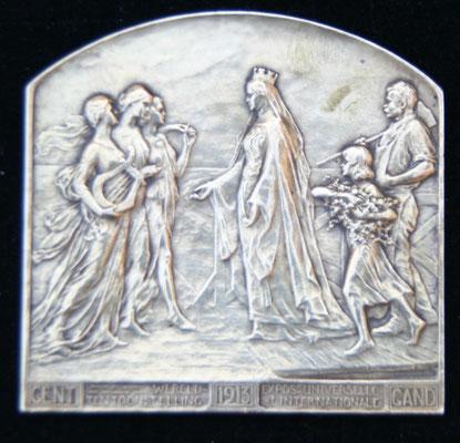 médaille en bronze  exposition universelle  de Gand 1913  .graveur  G.Devreese 71 X 69 .prix 60 euros