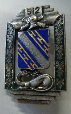512 regiment de chars de combat .dos lis Arthus Bertrand Paris deposé poinçon sur pastille  .prix 100 euros