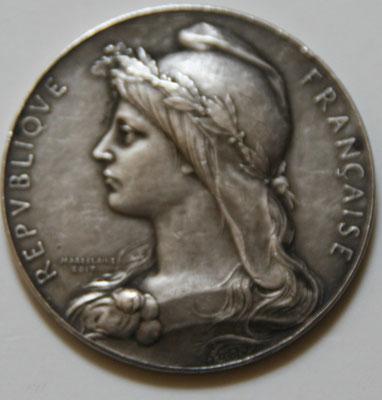 médaille en argent( 60 gr diam 5 cm) par Roty edit Magdelaine .société d agriculture de Dijon concours départementale 1910 . prix  80 euros