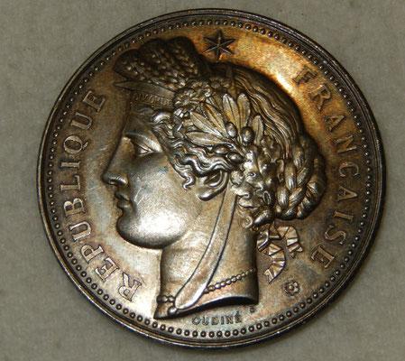 médaille en argent par Oudiné. 66 gr 50mm  concours agricole de St Jean de losne (côte d'or ) 1894 donnée par Mr trevey trésorier du comice .prix : 90 euros