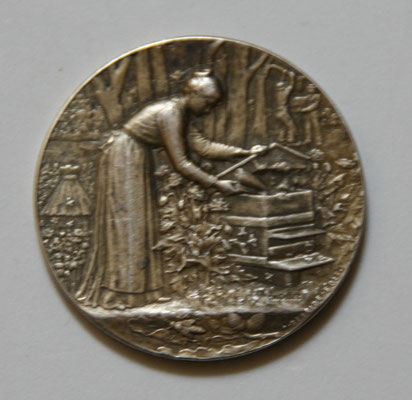 médaille en argent (20 gr 3.8 cm) par Ch Pillet, edit Desaide . la Bourgogne apicole prix : 45 euros
