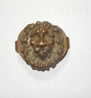 tête de lion de banderole  de giberne de gendarmerie à cheval troisième république.prix 35 euros