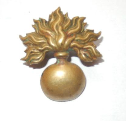 grenade giberne gendarmerie  .5.3 cm prix : 20 euros