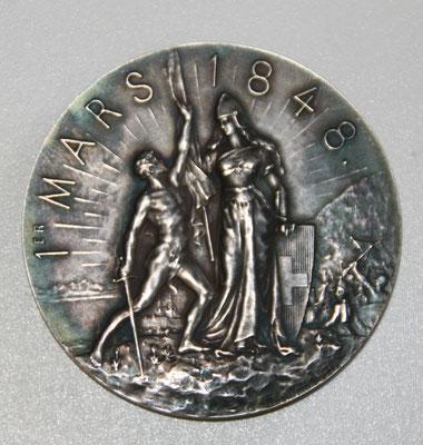 médaille en argent (46 gr dianm 48 mm) cinquantiéme anniversaire de l' émancipation des Neuchatelelois 1848 1898 .prix 55 euros