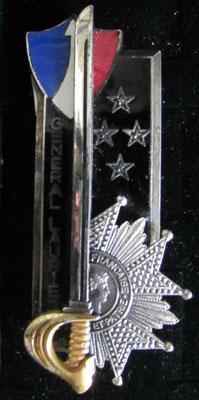 insigne promotion général Laurier  . A B paris  numeroté 376 argent prix:60 euros