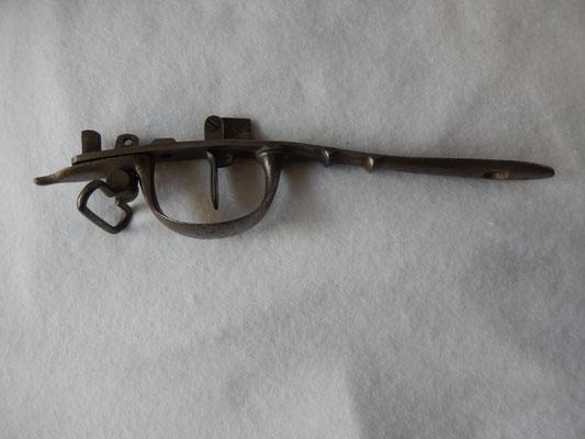 ensemble pontet ,grenadiere , sous garde , détente fusil AN IX et ses vis prix : 120 euros