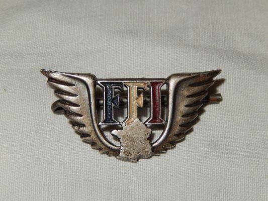 Insigne FFI n'287384. prix : 15 euros