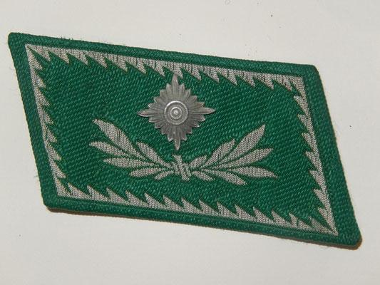 patte de col fabrication carton et tissu officier douane   Prix :50 euros