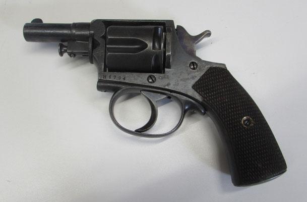revolver lamure et gidrol cal 8mm