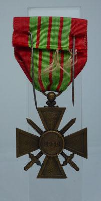croix de guerre 1939/45 une étoile : 25 euros