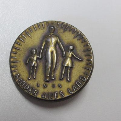 kinder auesland  Prix : 5 euros