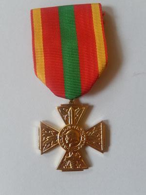 Croix du combattant volontaire sans millésime Prix : 15 euros