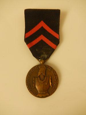 médailles fédération nationale des anciens du génie  Prix 45 euros