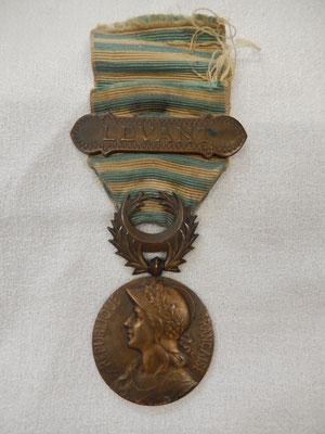 médaille du levant. prix : 40 euros