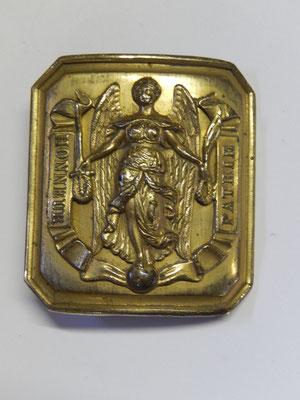 plaque ceinturon 1845  4,9 x 4,5 cm petit modèle Prix : 60 euros ref :C1
