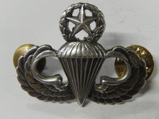 insigne Jumpmaster us   en argent fabricant Meyer New York   .             30 euros