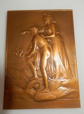 médaille par Charles Pillet, banque Française du commerce extérieur 63 x 89 mm ,avec sa boite  .prix: 120 euros